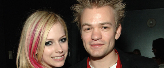 (EXCLUSIVE, Premium Rates Apply) LAS VEGAS - NOVEMBER 10: Singers Avril Lavigne and Deryck Whibley attend the Maroon 5 concert in the VIP Sky Lounge at The Pearl at The Palms Casino Resort on November 10, 2007 in Las Vegas, Nevada. (Photo by Denise Truscello/WireImage)