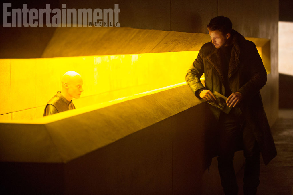Blade Runner 2049 (2017) RYAN GOSLING as K *No ID for person to the left, studio said they they're just an extra with non-speaking part